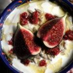 Herbstlicher Joghurt mit Feigen