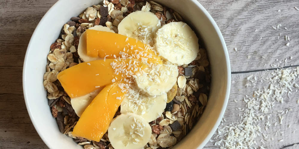 Frühstücksbowl mit Müsli